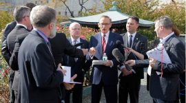 Bob-Carr_Minister-for-Foreign-Affairs-of-Australia